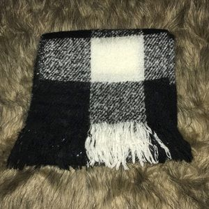 NWOT American Eagle Outfitters Scarf